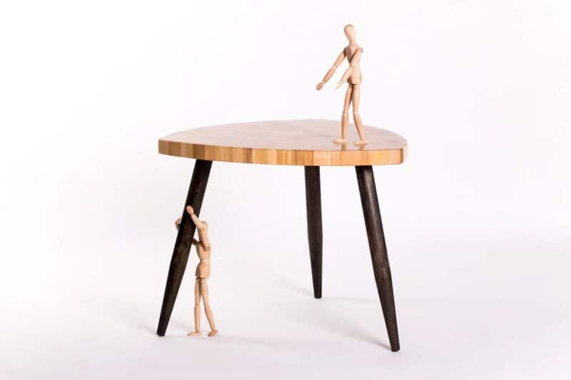 Couchtisch Venus 55 mit Holzfiguren